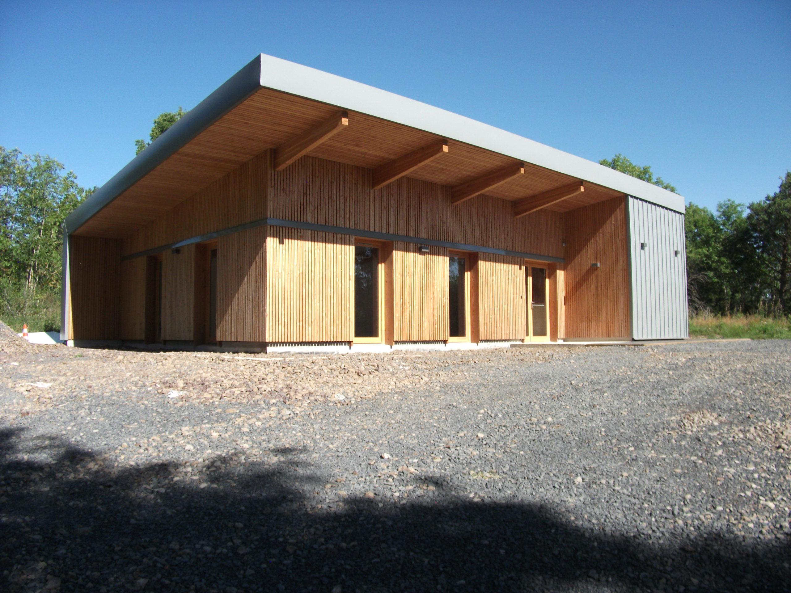 Construction-Ossature-Bois-Maison-Nature-Chasse-Saint-Genès-Champanelle-63-Façade-Extérieure-Façade-Vue-3