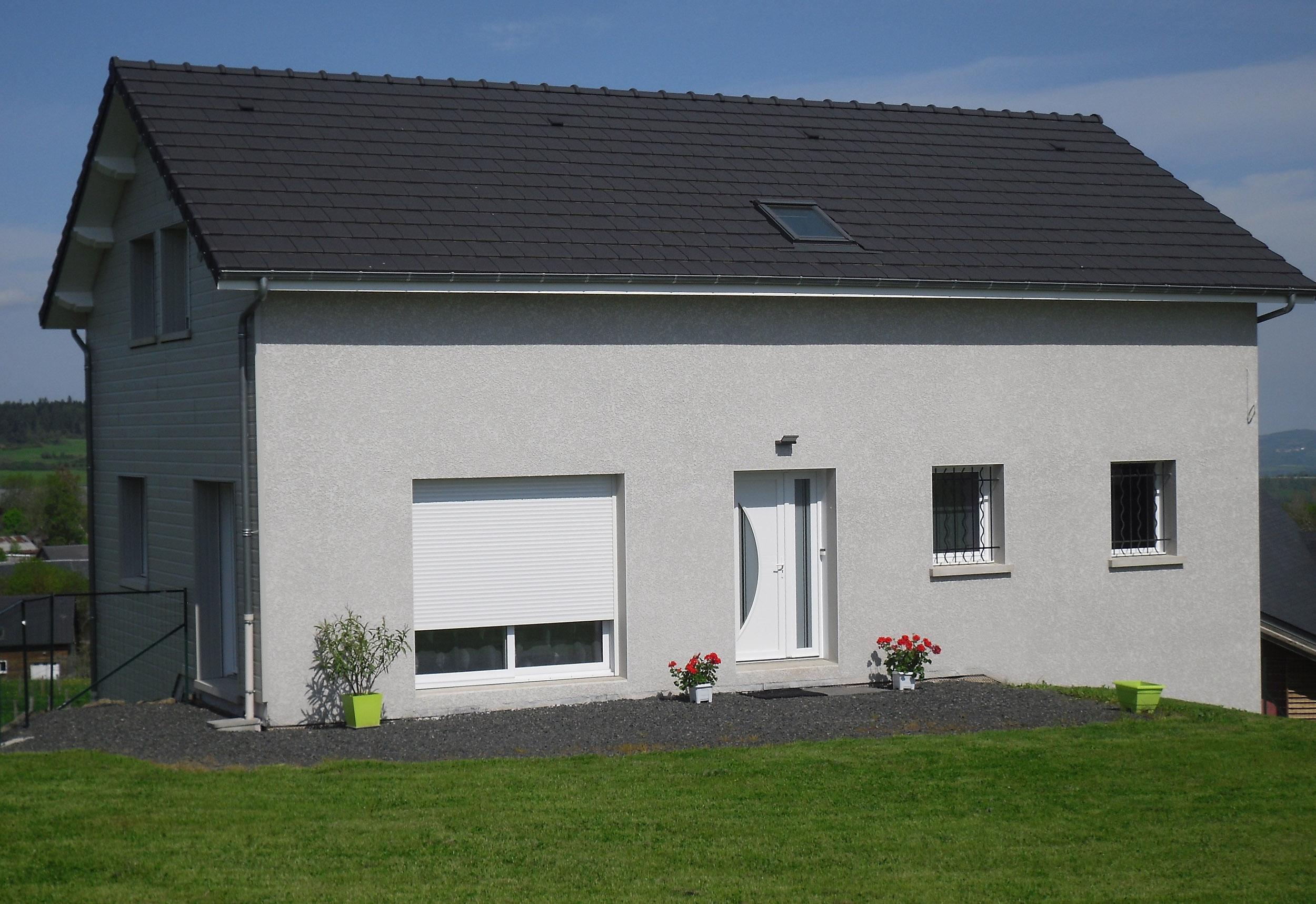 Couverture en tuile réalisée par l'entreprise RDL BEAUDONNAT en Auvergne